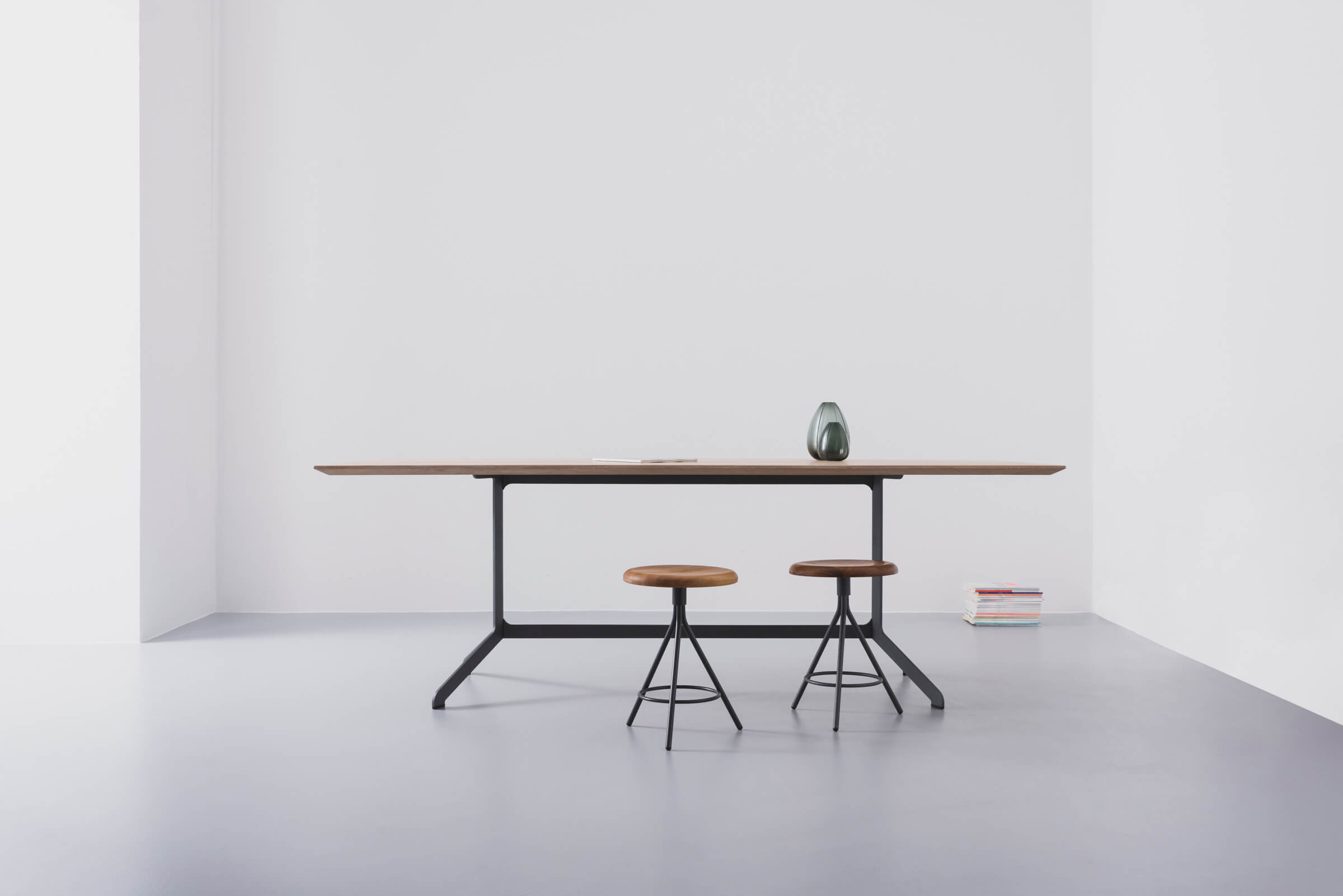 THOMAS WIUF SCHWARTZ ASCO Shape Table